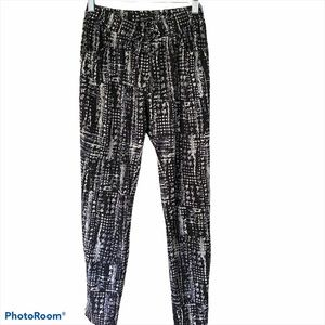 Walter Baker casual pants black and white